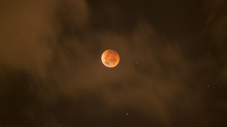 4月4日、今宵は皆既月食